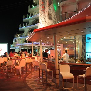 Boardwalk Bar and Aqua Theatre