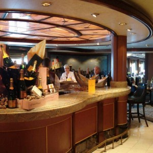 Queen Victoria Veuve Clicquot Champagne Bar