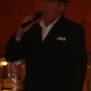 "Ken Byrne sings ""New York, New York"""