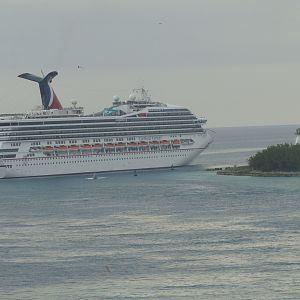 Carnival Victory leaves the harbor